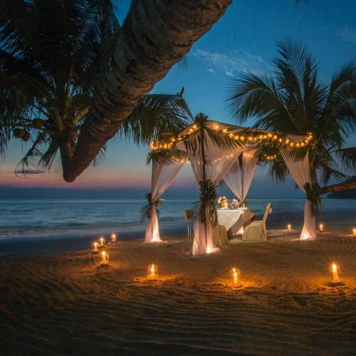 Cena romántica en la playa