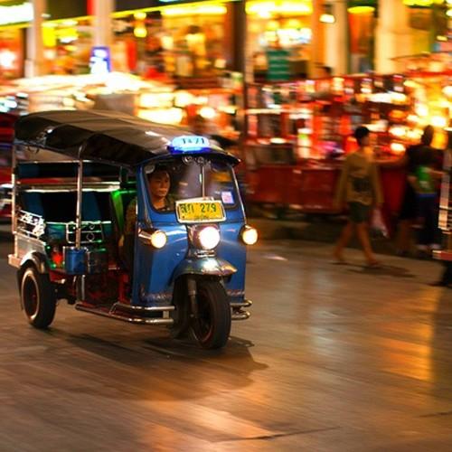 Tuk Tuk Nocturno por Bangkok