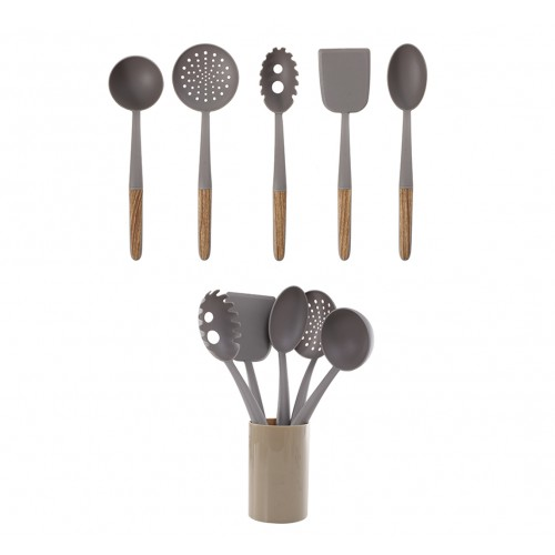 Set de utensilios de plástico con contenedor