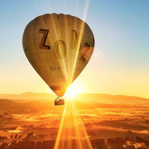 Melbourne- Vuelo en Globo Aerostático por Yarra Valley con Desayuno y Transporte