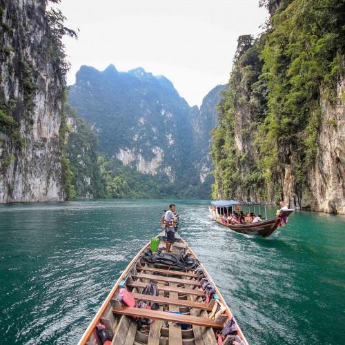 Rafting en balsas de bambú en Khao Sok