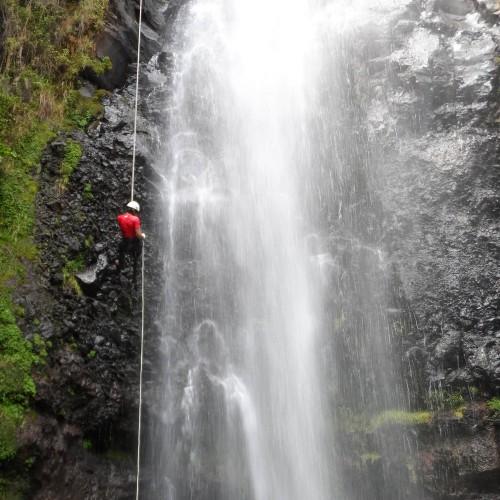Rappel en Cascada de Ocuilan desde Malinalco